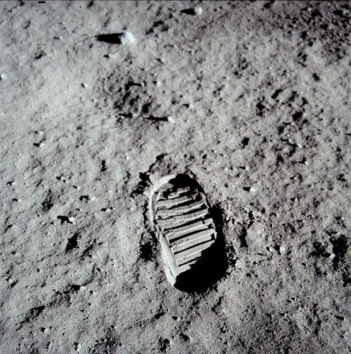 Американцы на Луне - след