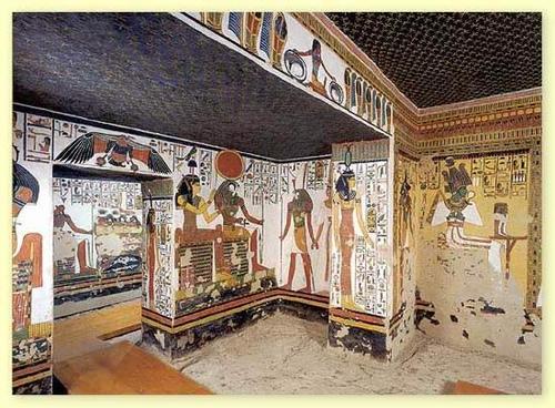Гробницы фараонов на берегу Нила