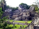 Пирамиды майя в Тикаль