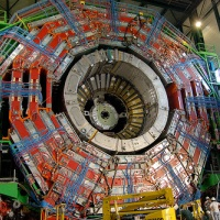 Большой адронный коллайдер: на службе у науки