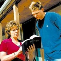 Свидетели Иеговы: религиозная организация специфической популярности
